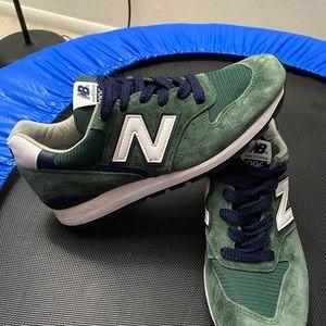 New Balance 996 green size 8.5